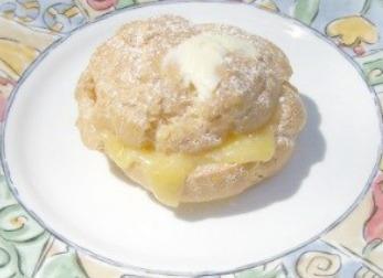 Easy to make Cream Puff stuffed with Lemon Curd