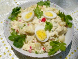 Old Fashioned Potato Salad with mayonnaise and vinegar dressing.