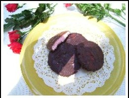 Easy no cook peppermint patties children can make.